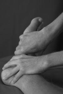 Behandling av fot i sort/hvitt